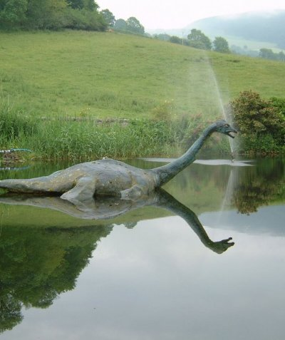 FAUX NESSIE