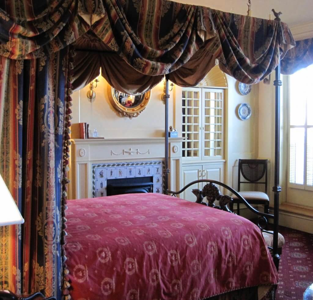 Chanler interior room