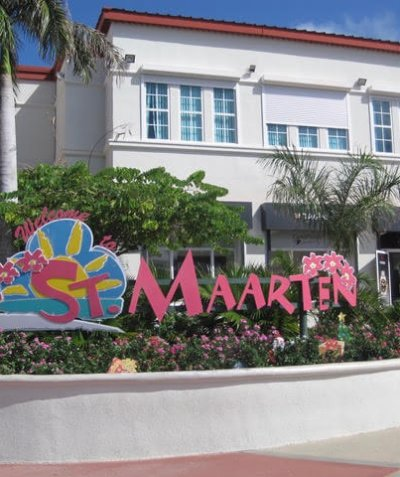 Welcome to St Maarten / St Martin sign